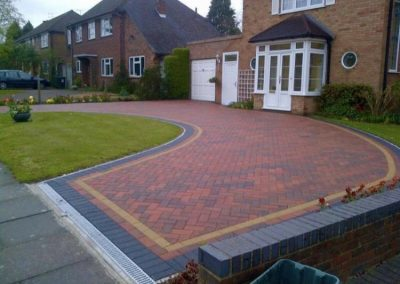 Block paving driveway for home