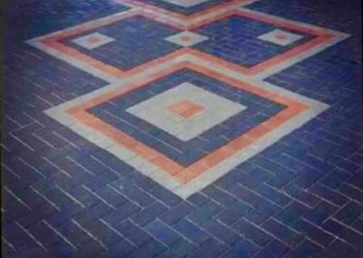 Block paving with pattern