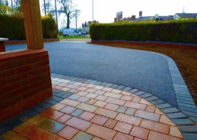 High grade tarmac driveway with block paving border