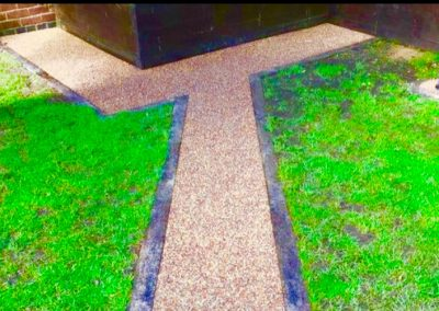Landscaping resin bound pathway