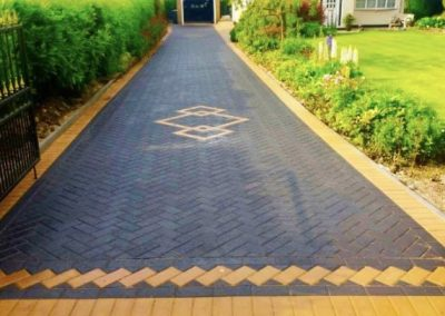 Long block paving driveway