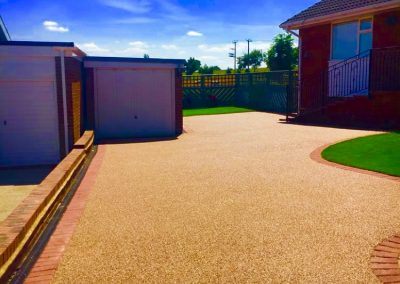 Resin bound driveway for house
