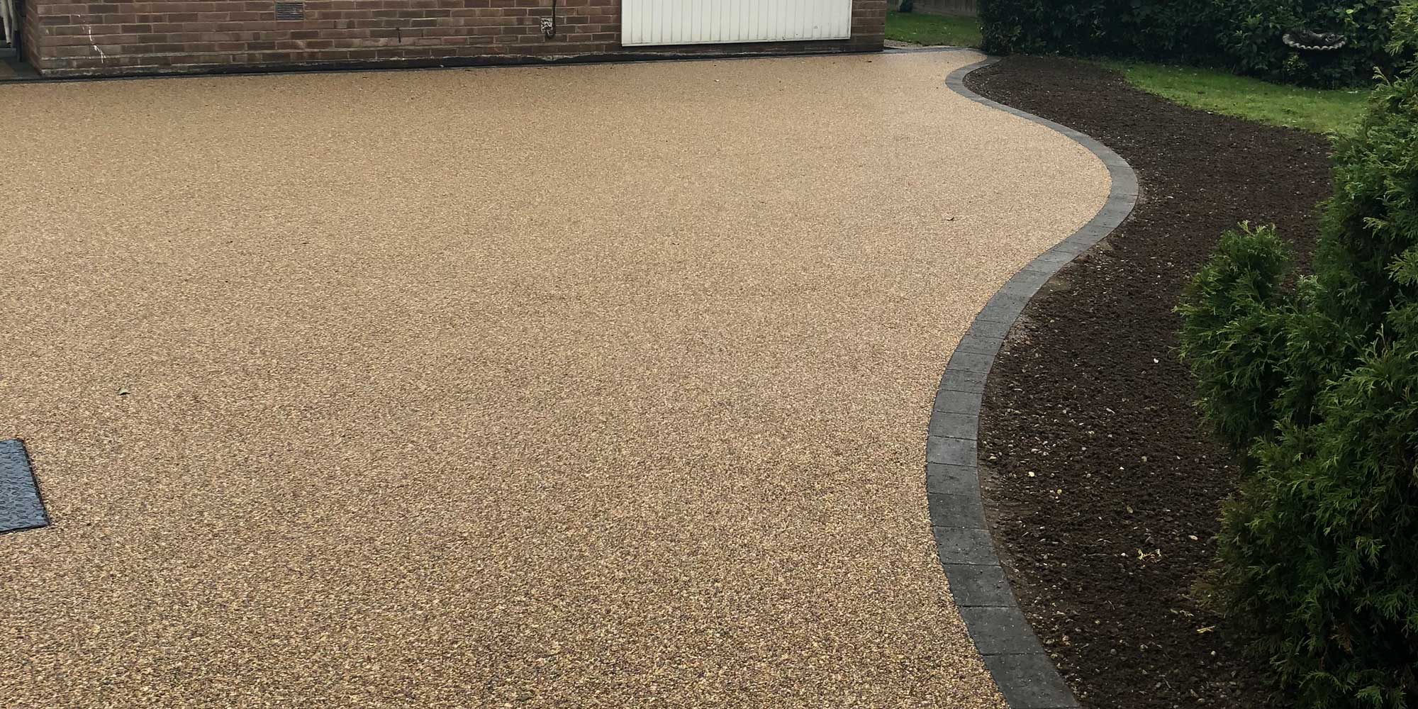 resin bound driveways with brick border